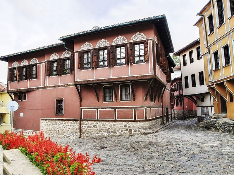 Bulgarian Architecture ~Balabanov's House, Plovdiv, 800x600, optimized