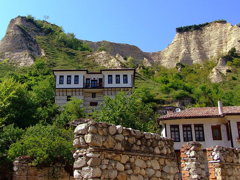 Incentive Tours in Bulgaria ~ Melnik-style House, 800x600