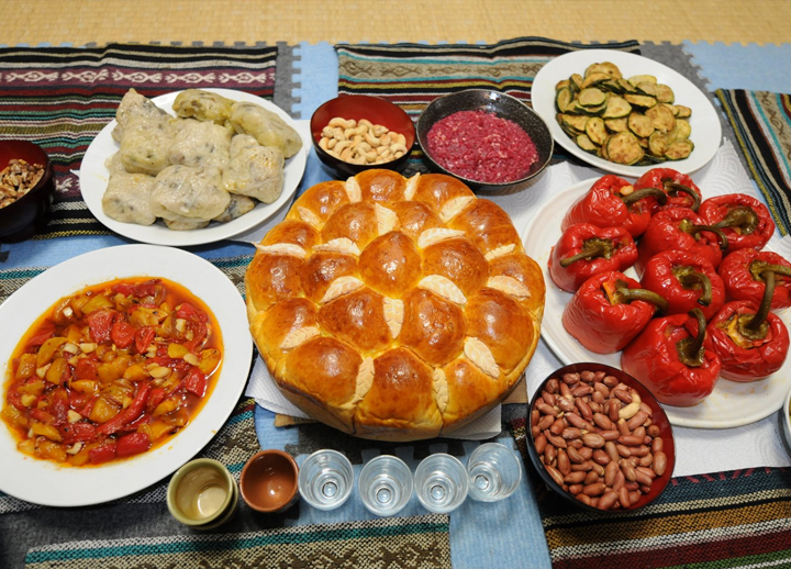 Bulgarian Cuisine ~ Table setting, 720x518