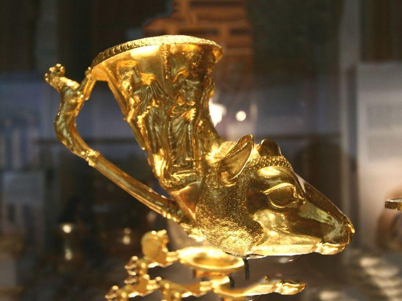 Treasure Tours 'Thracian Treasures' ~ Panagyurishte treasure artefact, 800x600, optimized